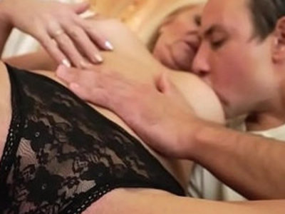 Granny sex machine Anett | gilf  sex machine