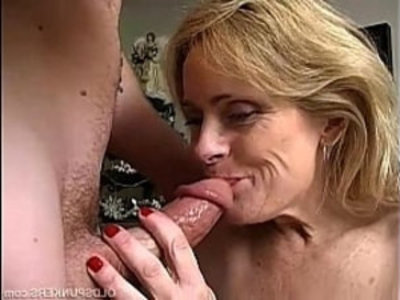 Sexy cougar is a squirter | amateur  cougars  hardcore  mature  milf  mother  old and young  oral sex  sexy girls  son and mom