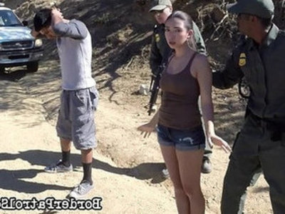 Illegal immigrant Frida Sante gets her tits fucked on the US Mexican border | mexican girls