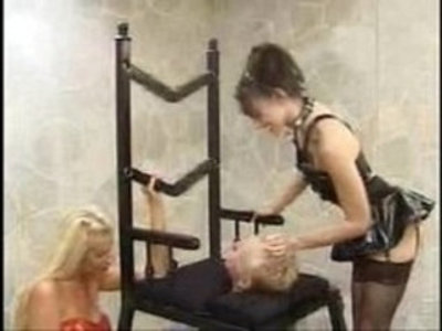 a throne for the queen facesitting smothering | facesitting