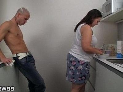 Fat girlfriend slammed on the kitchen | chicks  fat girls  girlfriend  grandma  kitchen